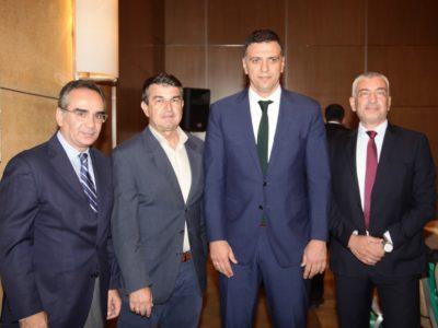 Κλειστή συνάντηση εργασίας (στην φώτο από αριστερά): Βασίλης Κοντοζαμάνης, Υφυπουργός Υγείας, Αιμίλιος Νεγκής, Δημοσιογράφος, Βασίλης Κικίλιας, Υπουργός Υγείας, Κωνσταντίνος Ουζούνης, Γενικός Διευθυντής, Ethos Media.